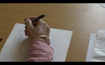 Main de femmes faisant un croquis_Atelier Féminin/masculin, correspondances